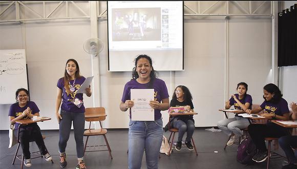 La primera promoción de Girl Gov se graduó en 2019. Las girlgovers reciben talleres continuos de formación dictados por otras mujeres especialistas.