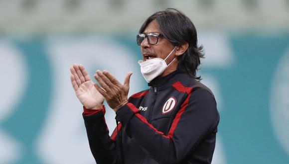 Comizzo durante el Palmeiras-Universitario en el cierre del grupo A. (Foto: AFP)