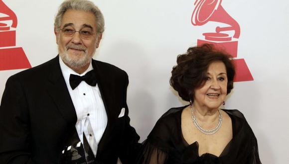 Plácido Domingo y su esposa (Foto: Agencia)