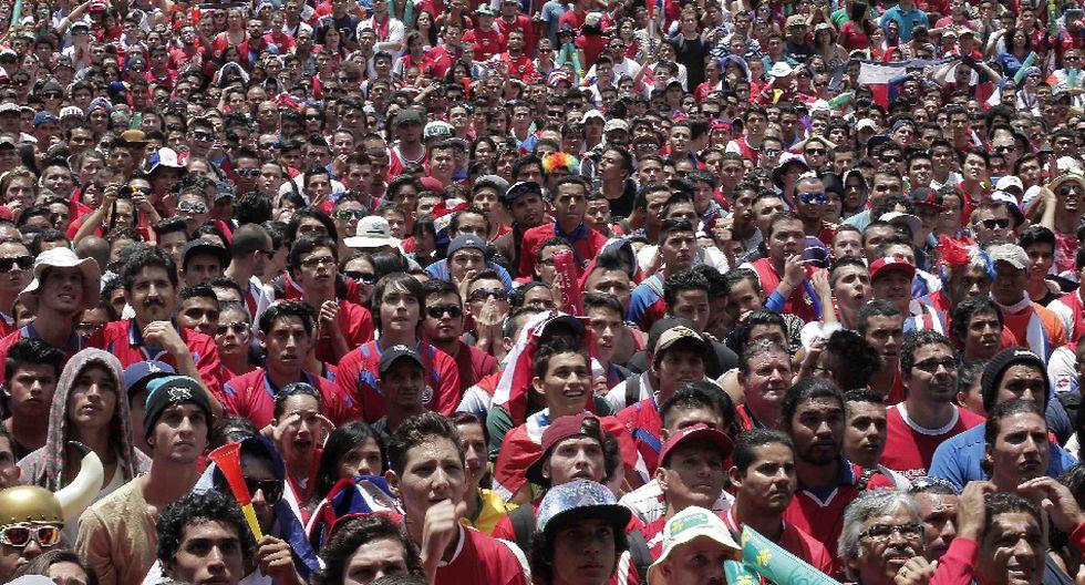 Miles de costarricenses festejaron clasificación en Brasil 2014 - 5