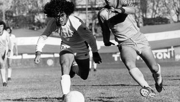 Diego Armando Maradona en 1977, época en la que formaba parte de Argentinos Juniors. (Foto: AFP)