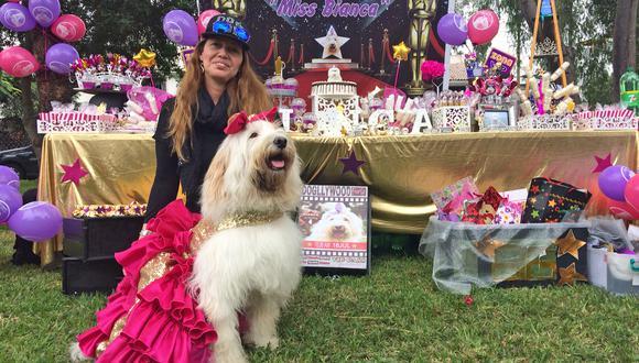 Ana Romero explica que pasó los últimos meses planificando la fiesta de cumpleaños de su perrita Bianca, la que finalmente celebró ayer en un parque de Surco.