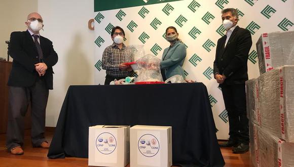 El último martes, la Cámara de Comercio e Industria de Arequipa donó al hospital 95 cascos oxigenadores para los pacientes afectados por la pandemia. (Foto: Zenaida Condori)