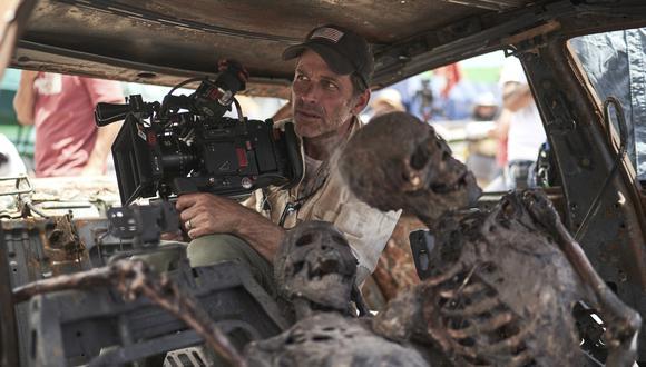 """Zack Snyder en el set de su próxima película de zombies, """"Ejército de los muertos"""" (""""Army of the Dead""""). Foto: CLAY ENOS/NETFLIX."""
