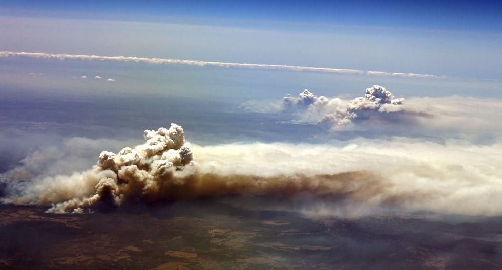 Una vista aérea del incendio forestal se quema fuera de control en el Valle de Richmond, Nueva Gales del Sur. (AFP)