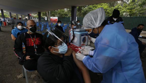 La vacunación a nivel nacional contra el coronavirus continúa avanzando (Foto: Violeta Ayasta/ @photo.gec)