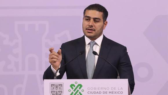 Esta imagen del 20 de febrero muestra al titular de la Secretaría de Seguridad Ciudadana (SSC) de la Ciudad de México, Omar García Harfuch, mientras participa en una rueda de prensa, en Ciudad de México. (Foto: EFE / José Pazos)