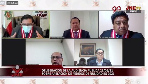 Los magistrado Jorge Luis Salas Arenas, Jovián Sanjinez y Jorge Rodríguez Vélez consideraron que el JNE no podría verificar si hubo fraude o no. (Foto: captura de video JNE)