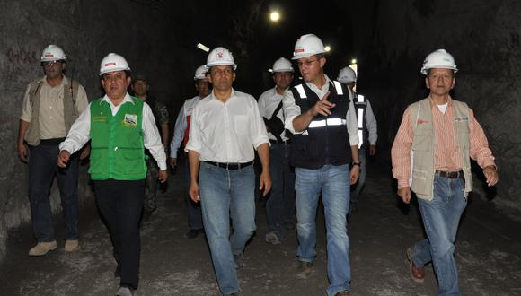 El expresidente Ollanta Humala es acompañado por Jorge Barata y el exministro Jorge Merino (derecha) en las obras de construcción de la hidroeléctrica de Chaglla. (Foto: Presidencia de la República)