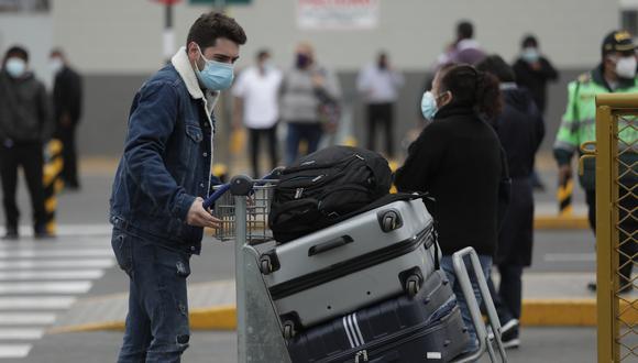 Viajeros deben contar con una prueba molecular o antígena con resultado negativo al COVID-19. (Foto: Anthony Niño de Guzmán/GEC)