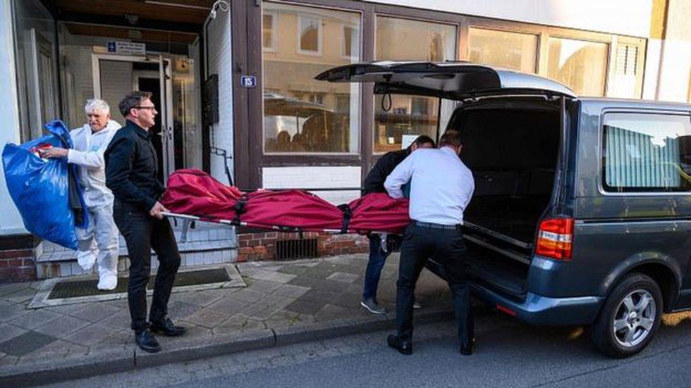 Dos cuerpos más aparecieron en un departamento en Wittingen, en el norte de Alemania. Foto: AFP