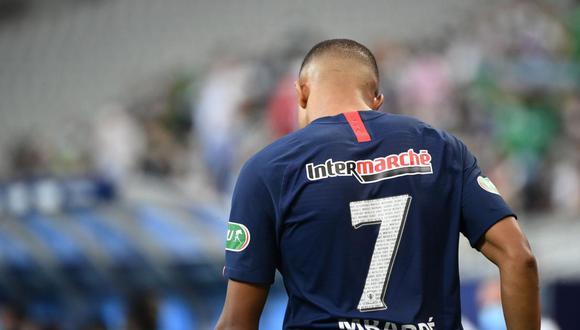 La reacción de Loic Perrin y el mensaje de Saint-Étienne por la lesión de Kylian Mbappé. (Foto: AFP)