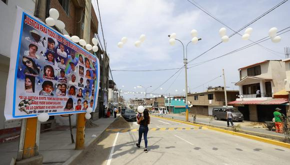 Este sábado 23 se cumple un año de la tragedia en Villa El Salvador. Las fachadas de las casas de las víctimas lucen así. Los familiares siguen pidiendo justicia. (Foto: Jessica Vicente)
