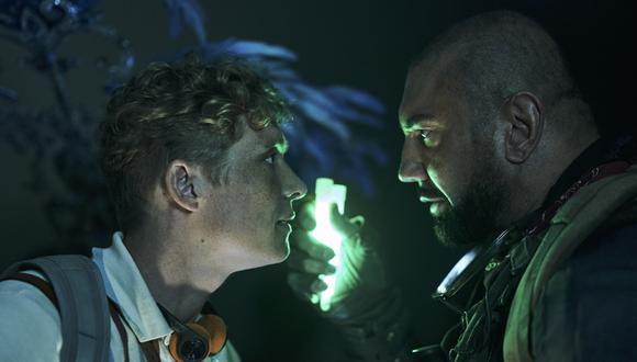 """Matthias Schweighöfer como Dieter y Dave Bautista como Scott en escena de """"Army of the Dead"""". (Foto: Netflix)"""