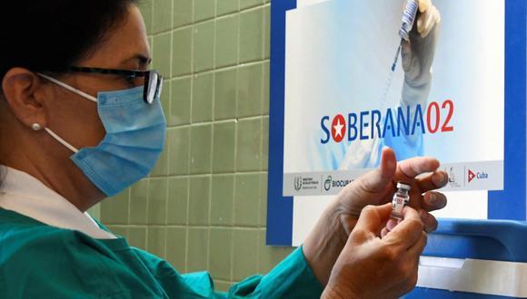 Además de Soberana 02, Soberana Plus y Abdala, Cuba estudia otras dos posibles fórmulas llamadas Soberana 01 y Mambisa, ambas en fases previas de investigación. (Foto: JOAQUIN HERNANDEZ / AFP)