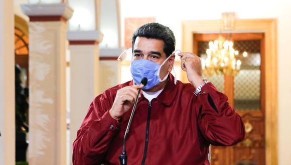 Nicolás Maduro usó mascarilla al anunciar el decreto de estado de alarma en Venezuela ante el coronavirus. (Reuters).