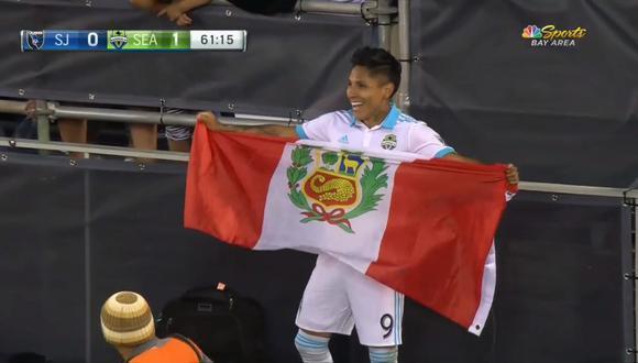 Seattle Sounders: Ruidíaz marcó su primer gol en la MLS y celebró con la bandera de Perú. (Foto: captura)