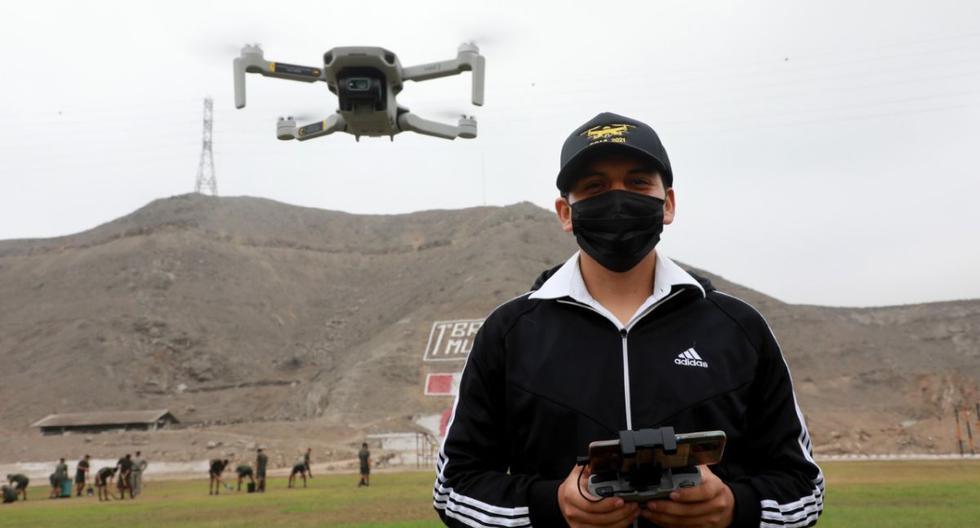 El Ejército Peruano ha organizado una sección dedicada a la capacitación de la población castrense y civil en el manejo profesional de drones. (Foto: Ministerio de Defensa)