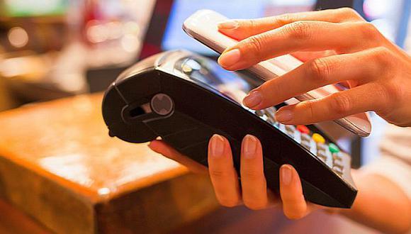 """En el 2022, el 67% de peruanos  utilizará opciones de pago sin contacto, y en el futuro el 83% considera usar al menos un pago emergente, proyecta el informe """"Mastercard New Payments Index""""."""