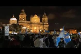 Segunda semana de protestas en contra del presidente y Congreso guatemalteco