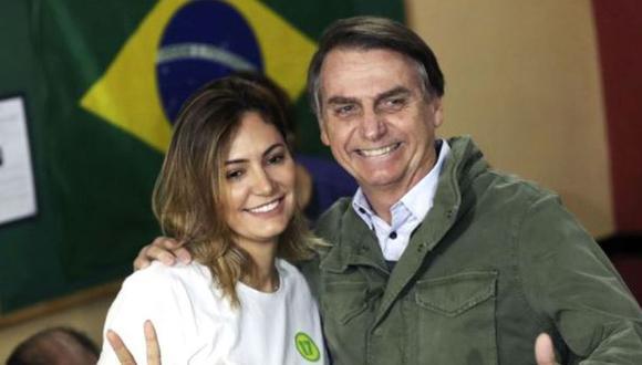 El presidente Jair Bolsonaro junto a su mujer Michelle.