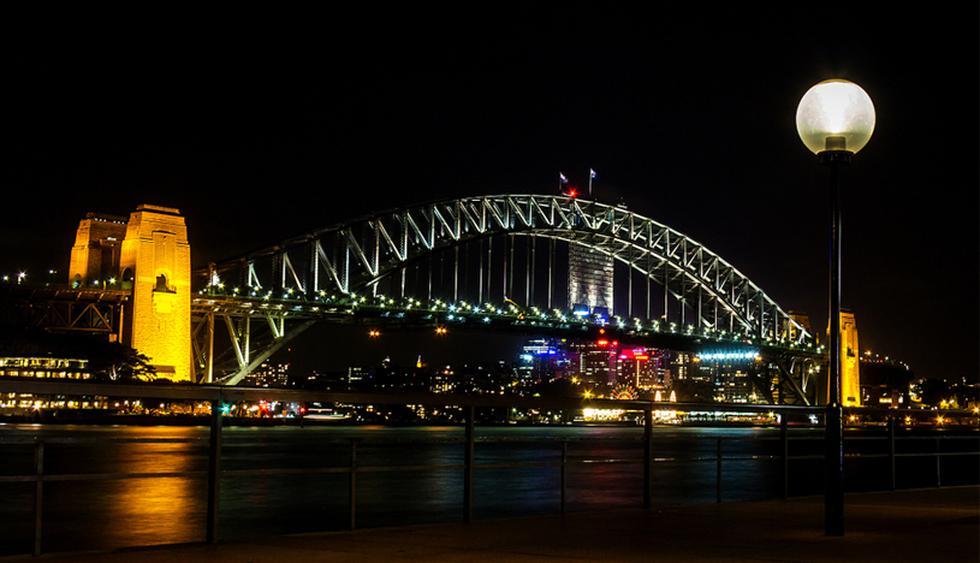 Sidney Harbour Bridge. Se ubica en el centro financiero de la capital de Australia. Se inauguró en 1932 y es el más ancho del mundo: posee 8 carriles para coches, 2 para ferrocarril y una ciclovía. (Foto: Shutterstock)
