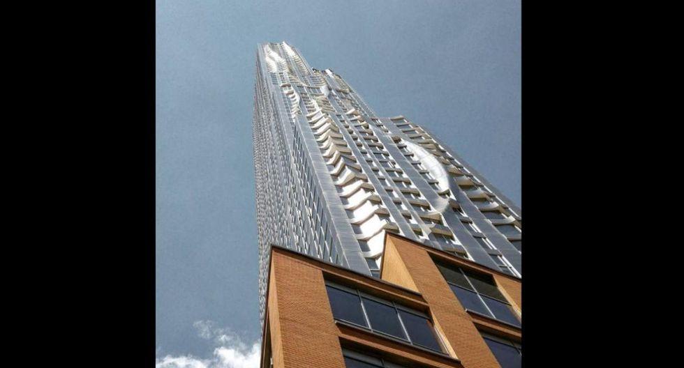 8 Spruce Street.  Nueva York es la ciudad de los rascacielos, pero ninguno es tan particular como el creado por Gehry Partners. La inauguración de este edificio ondulado y brillante tuvo lugar en 2011. (Foto: Instagram/gj,jacquet)