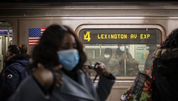 El gobernador de Nueva York, Andrew Cuomo, anunció que se vacunará contra el coronavirus en el metro de la ciudad. (Foto: Ed JONES / AFP).