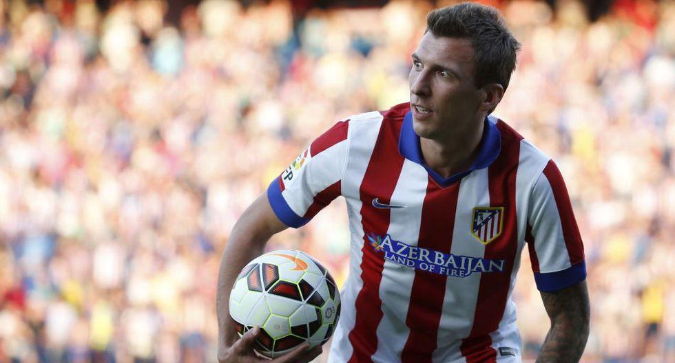 Mandzukic presentado con el '9' de Villa en Atlético de Madrid - 1