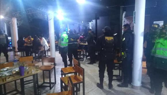 Piura: local funcionaba bajo fachada de pollería y encuentran a 20 personas bebiendo alcohol (Foto: Municipalidad de Paita)