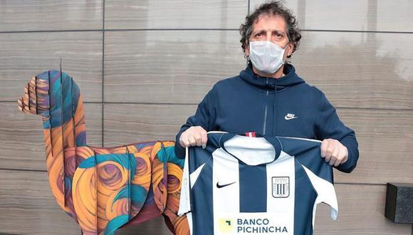 Mario Salas llegó este jueves al Perú | Foto: Alianza Lima