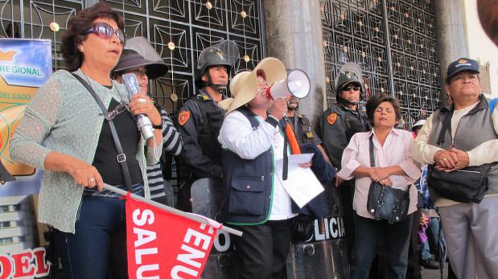 Trabajadores del Minsa irrumpieron en Palacio Municipal - 2