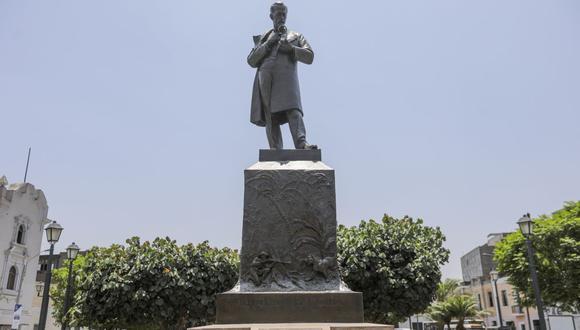 La escultura de bronce fue elaborada en Turín (Italia) y diseñada por el escultor Tancredi Pozzi. (Municipalidad de Lima)