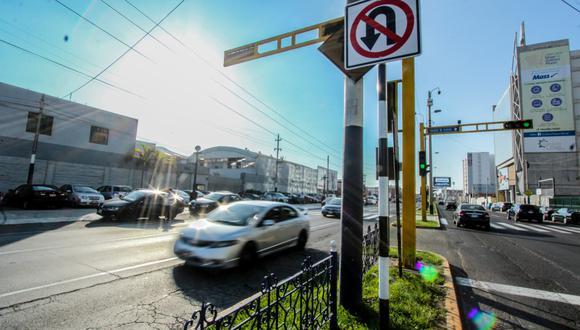 Comuna metropolitana informó que se colocó 100 señales de tránsito que prohíben ambas acciones en distritos de Lima.  (Foto: Municipalidad de Lima)