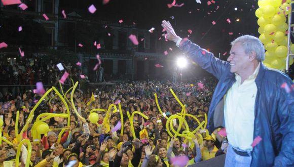 En el 2014, la campaña de Castañeda gastó S/1 millón más de lo que recibió. (Foto: Facebook / Luis Castañeda)