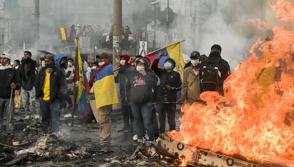 Octubre de 2019   Protestas en Ecuador. Ecuador vivió violentas protestas callejeras durante varios días que llevó al país a una grave crisis política y económica luego de que el Gobierno de Lenín Moreno decidiera eliminar los subsidios a los combustibles tras un acuerdo entre el gobierno y el FMI. (AFP)