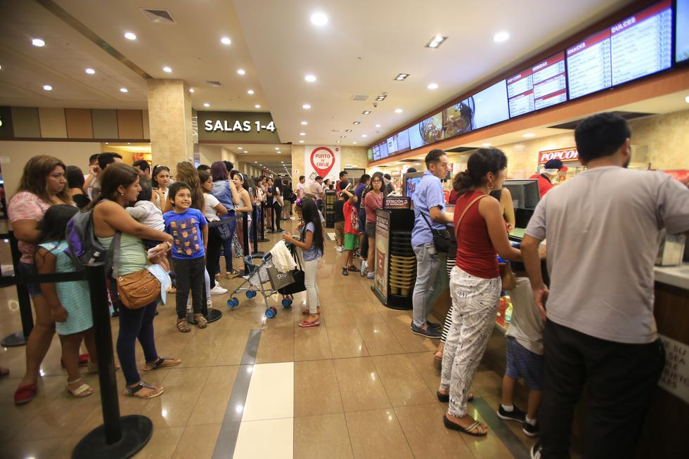 Un 38% de los peruanos va al menos una vez al mes al cine. (Foto: GEC)
