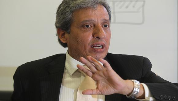 Ministro ya sugiere maneras de restringir propiedad de medios
