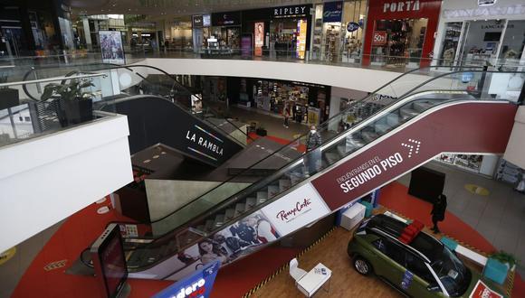 """""""No vaya a ser que por esta presión se ceda, se abra más de lo debido"""", dijo Martín Vizcarra sobre los centros comerciales. (Foto: Francisco Neyra / GEC)"""