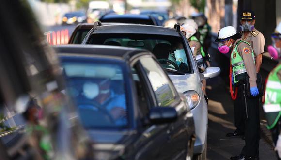 Durante un operativo de control de carreteras el sujeto le entregó 30 soles al efectivo policial. (Foto: El Comercio - Imagen referencial)