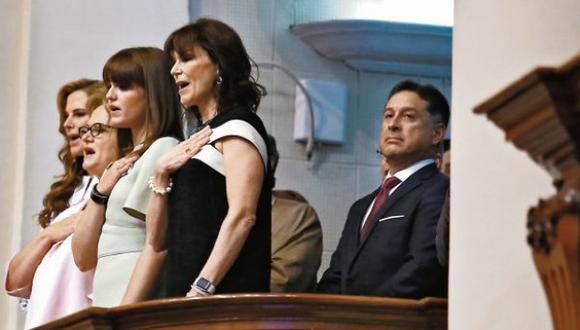 El chileno Gerardo Sepúlveda,quien aparece con la familia de PPK en el Congreso, ha sido citado por la Comisión Lava Jato. (Foto: El Comercio)