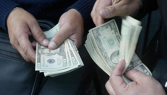 En el mercado paralelo o casas de cambio de Lima, el tipo de cambio se cotiza a S/ 3.550. (Foto: GEC)