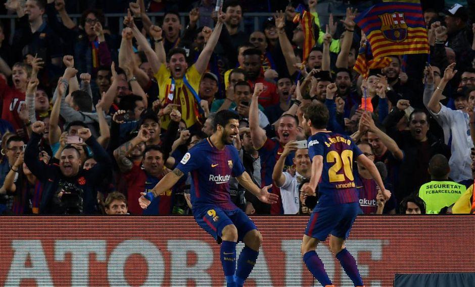 Luis Suárez abrió el marcador ante Real Madrid con un monumental golazo. El recinto del Barcelona explotó de euforia por tamaña conquista. (Foto: EFE)