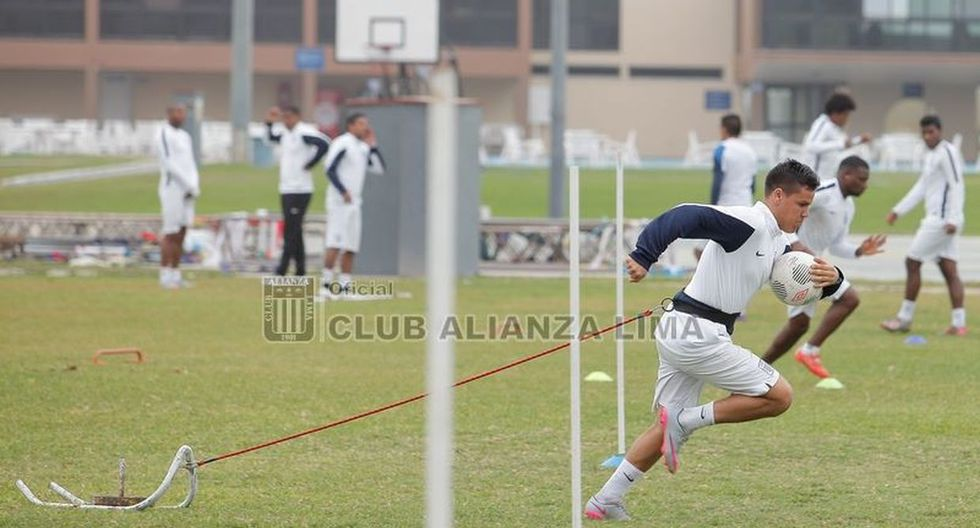 Reimond Manco se pone a punto para debutar con Alianza Lima - 9