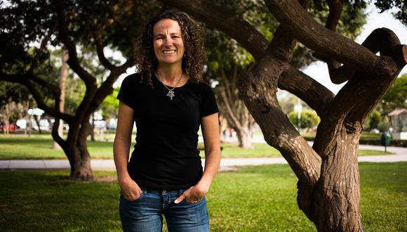 Julia Urrunaga «Este trabajo me ha renovado la fe»