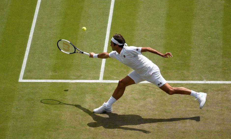 Roger Federer demuestra su calidad desde el inicio de los partidos. Esta vez fue por cuartos de final de Wimbledon ante el sudafricano Kevin Anderson. (Foto: Reuters)
