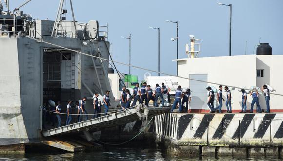 La Secretaría de Relaciones Exteriores señaló que las embarcaciones cargadas de tanques de oxígeno, jeringas, agujas y alimentos básicos como frijoles y arroz partirán el domingo rumbo a la isla caribeña desde el puerto de Veracruz. (Foto: Yahir Ceballos / Reuters)