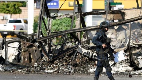 El enfrentamiento dejó un auténtico caos material y humano en Culiacán. (AFP).