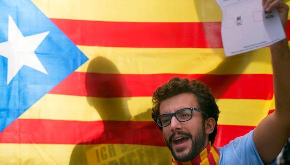"""En el referéndum se planteó la siguiente pregunta a los ciudadanos: """"¿Quiere que Cataluña sea un Estado independiente en forma de República?"""".  (Foto: AFP)"""