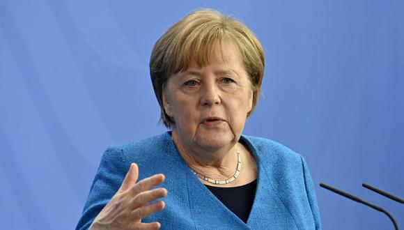 La canciller alemana, Angela Merkel, asiste a una conferencia de prensa después de la cumbre informal de la UE y la cumbre UE-China en Berlín, el 8 de mayo de 2021. (John MACDOUGALL / POOL / AFP).